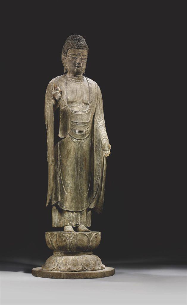 statue de bouddha shakyamuni en bois japon epoque muromachi xveme xvieme siecle christie 39 s. Black Bedroom Furniture Sets. Home Design Ideas