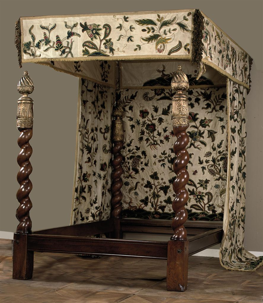 a four poster bed with crewelwork canopy and curtains diy four poster bed canopy home design ideas
