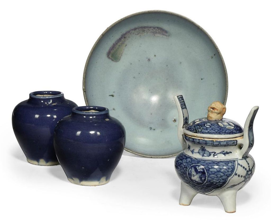 A GROUP OF CHINESE POTTERY VESSELS