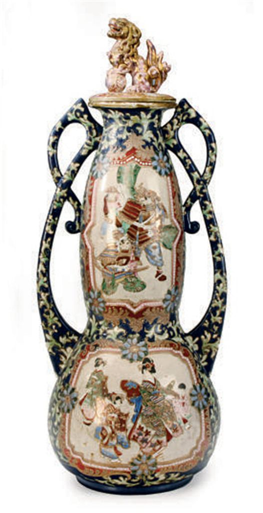 A LARGE JAPANESE SATSUMA VASE AND A COVER