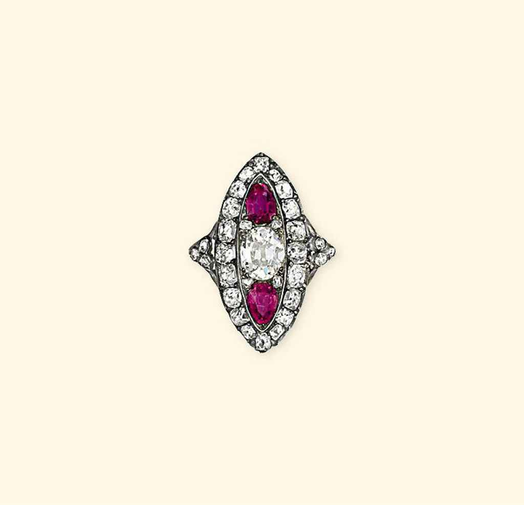 AN ANTIQUE DIAMOND AND RUBY RING