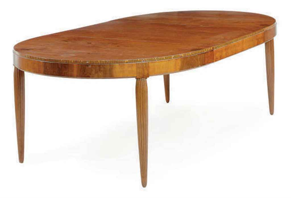 A FRENCH WALNUT AND PARQUETRY EXTENSION DINING TABLE  : afrenchwalnutandparquetryextensiondiningtablejulesleleumid2d5410223g from www.christies.com size 1024 x 698 jpeg 25kB