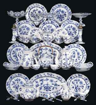 A Meissen and Huttensteinach blue and white Zwiebelmuster composite part dinner service