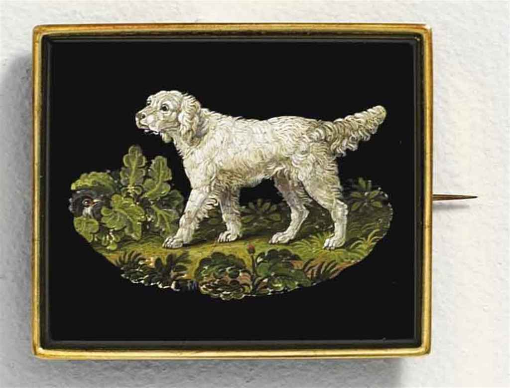A GOLD BROOCH SET WITH AN ITALIAN MICROMOSAIC PLAQUE