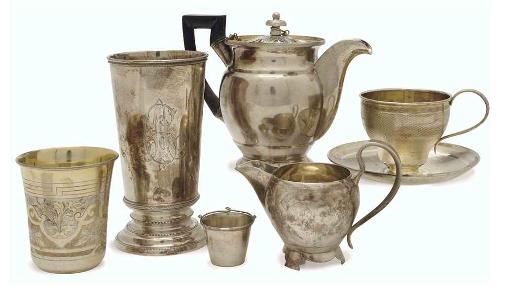 A GROUP OF RUSSIAN SILVER TEA AND DRINKING WARES