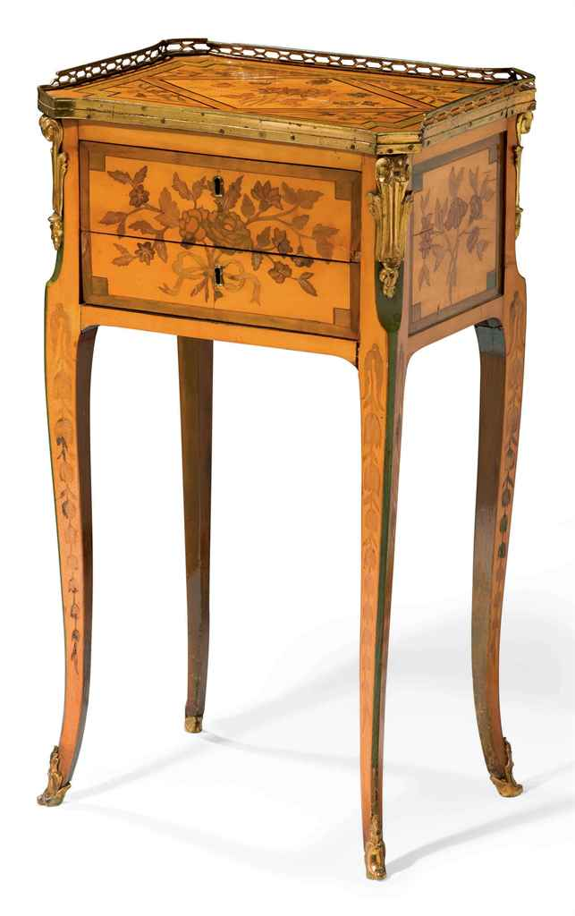 petite table de salon d 39 epoque louis xv milieu du. Black Bedroom Furniture Sets. Home Design Ideas