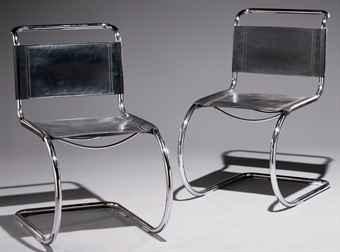 ludwig mies van der rohe 1886 1969 paire de chaises 39 mr10 39 le mod le cr en 1927 dition. Black Bedroom Furniture Sets. Home Design Ideas