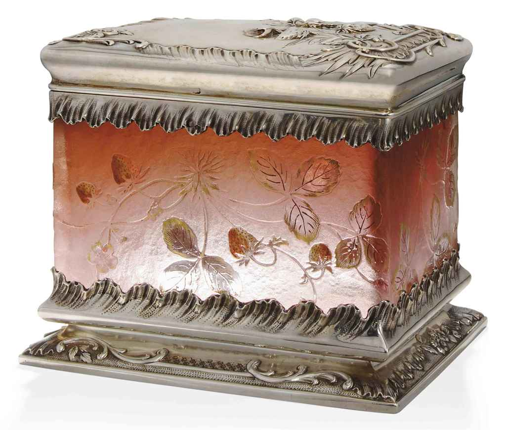 A DAUM GLASS BOX WITH SILVER C
