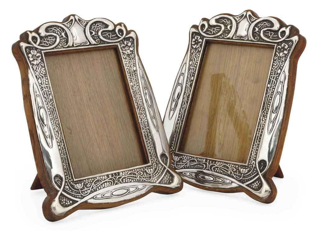 A PAIR OF ART NOUVEAU SILVER P
