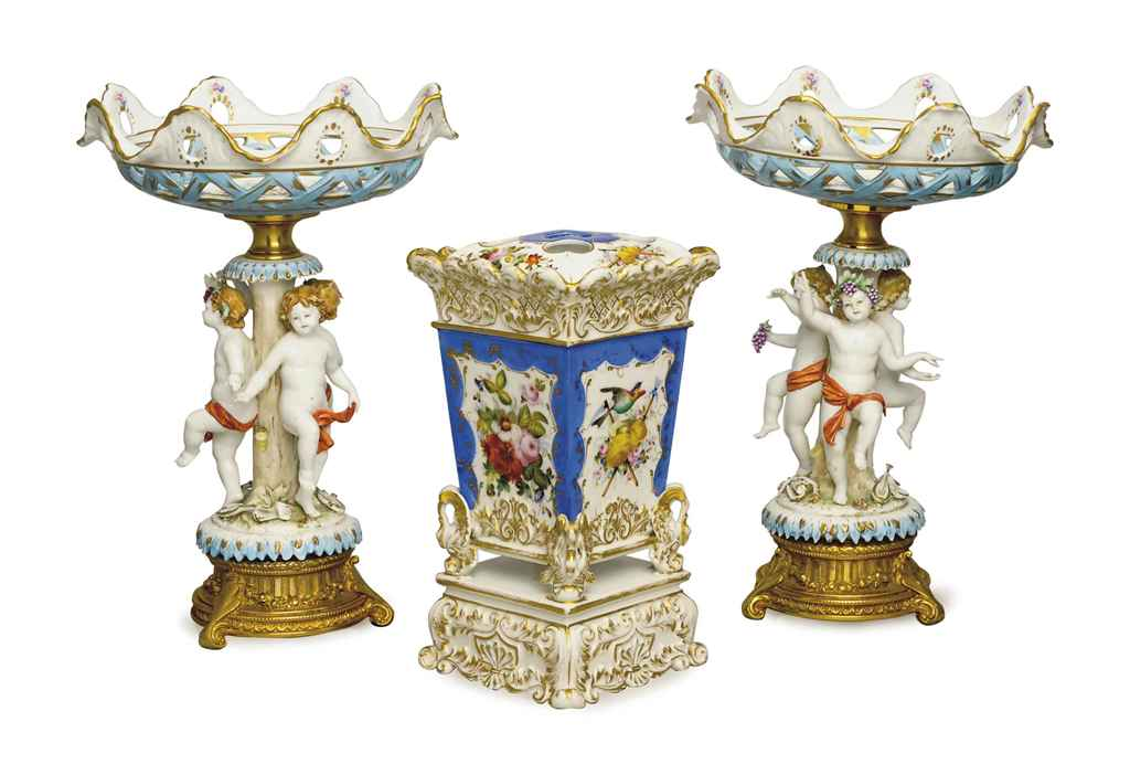 A PAIR OF MEISSEN-STYLE GILT METAL MOUNTED TAZZA AND A PAIR ...