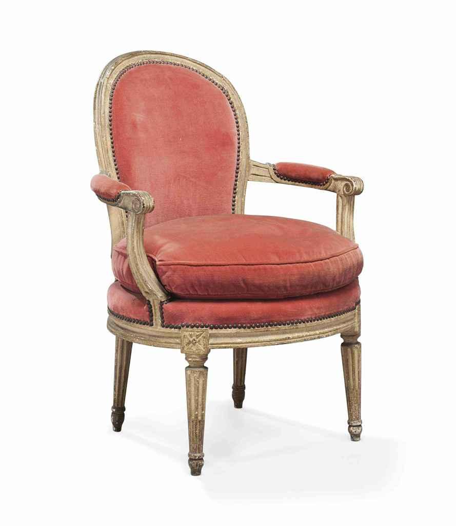 fauteuil en cabriolet d 39 epoque louis xvi dernier quart. Black Bedroom Furniture Sets. Home Design Ideas