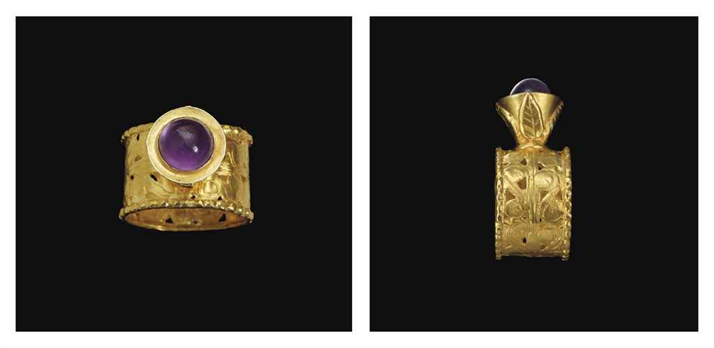 A BYZANTINE GOLD AND AMETHYST