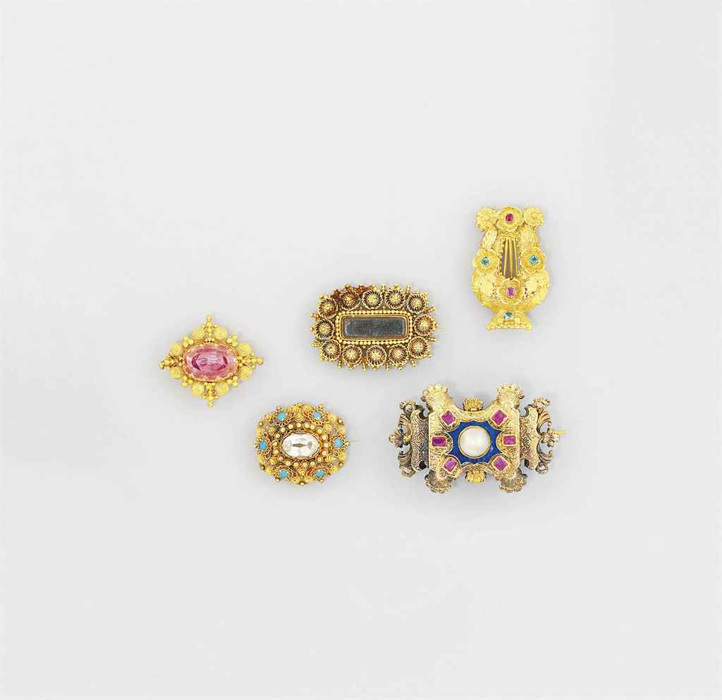 A group of 19th century brooch
