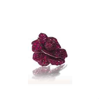 A RUBY FLOWER BROOCH, BY JAR