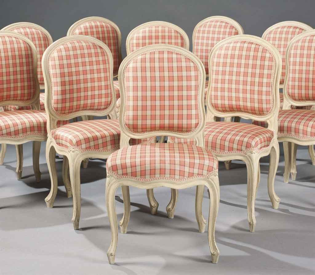 Suite de quinze chaises a la reine de style louis xv for Chaises louis xv cannees