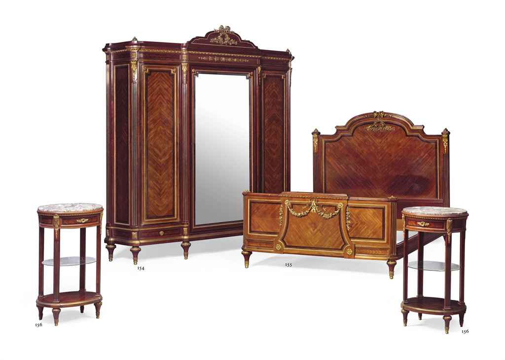 a pair of french ormolu mounted mahogany tables de nuit. Black Bedroom Furniture Sets. Home Design Ideas