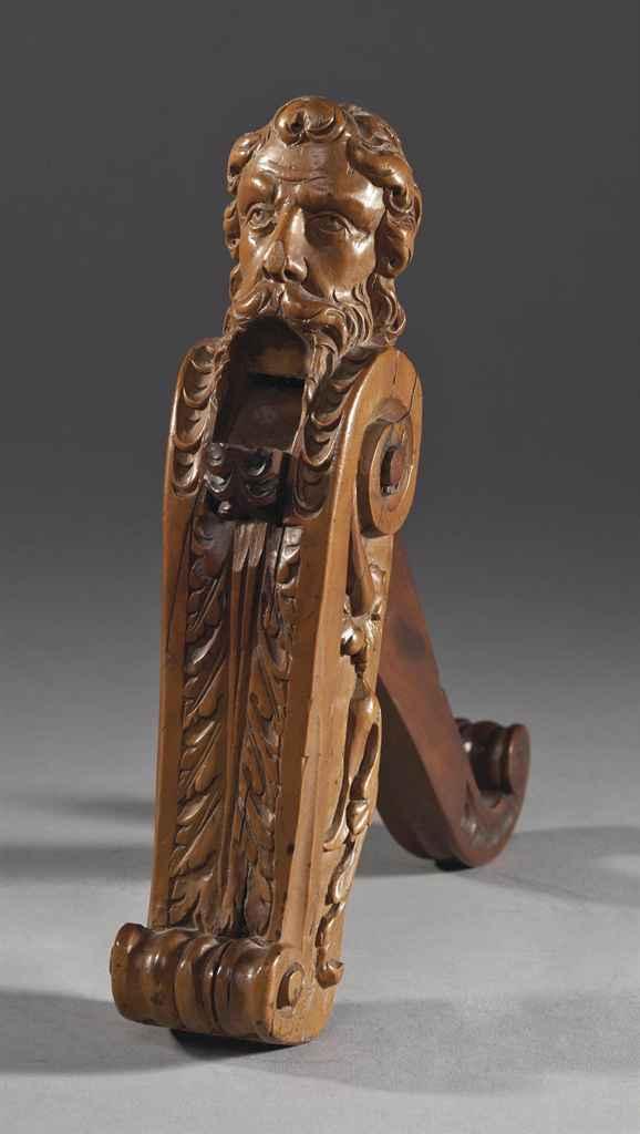 Casse noix en bois fruitier sculpte france ou flandres fin du xviieme ou debut du xviiieme - Casse noix en bois ...