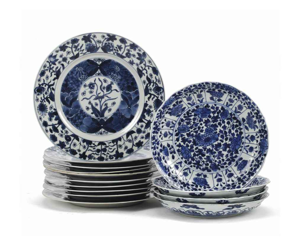 A set of ten and a set of four Chinese blue and white plates...