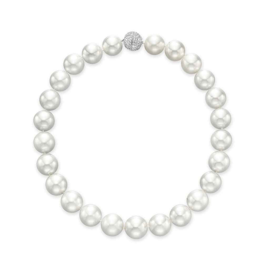 Single Strand Pearl Necklace: A SINGLE-STRAND CULTURED PEARL NECKLACE