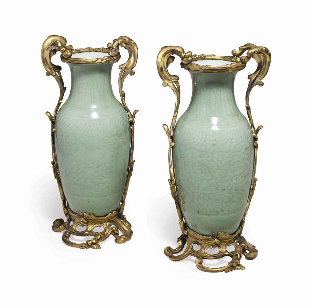 A PAIR OF FRENCH ORMOLU-MOUNTED CHINESE CELADON PORCELAIN