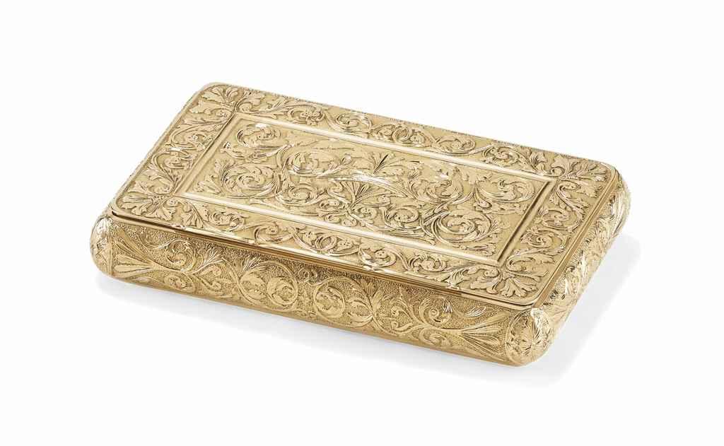 AN ITALIAN GOLD SNUFF-BOX