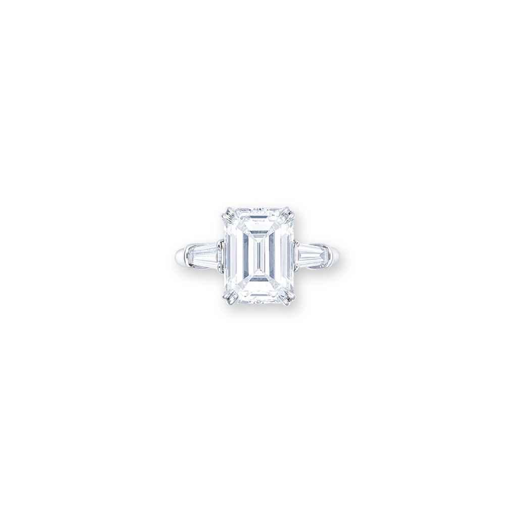 A DIAMOND RING, BY HARRY WINST