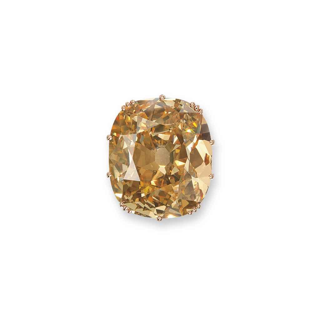 AN UNUSUAL COLOURED DIAMOND RI