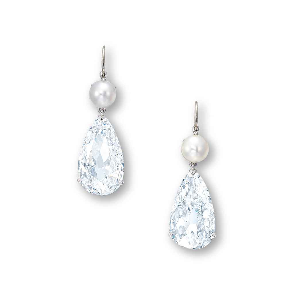 AN IMPORTANT PAIR OF DIAMOND AND PEARL EAR PENDANTS