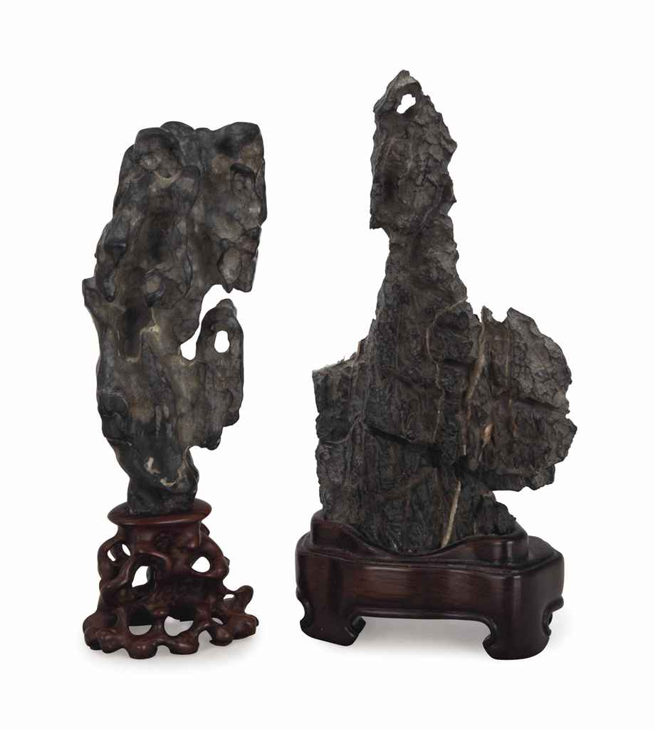 TWO SMALL VERTICAL CHINESE SCHOLAR'S ROCKS
