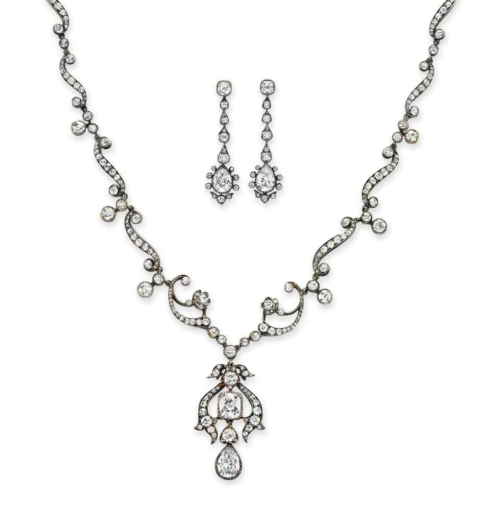 A SET OF ANTIQUE DIAMOND JEWELRY