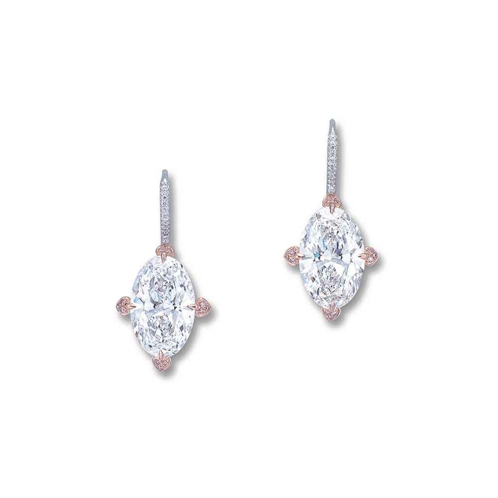 AN IMPORTANT PAIR OF DIAMOND AND COLOURED DIAMOND EAR PENDAN...