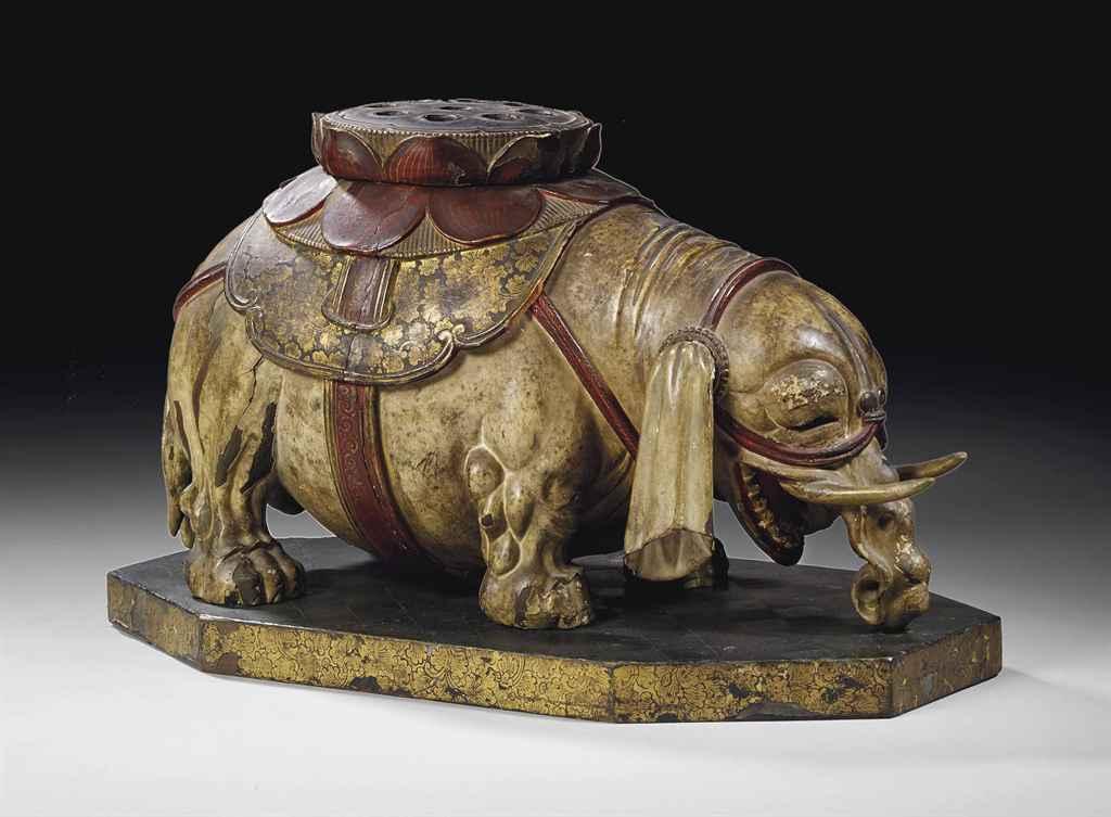 elephant en bois laque polychrome formant encensoir. Black Bedroom Furniture Sets. Home Design Ideas