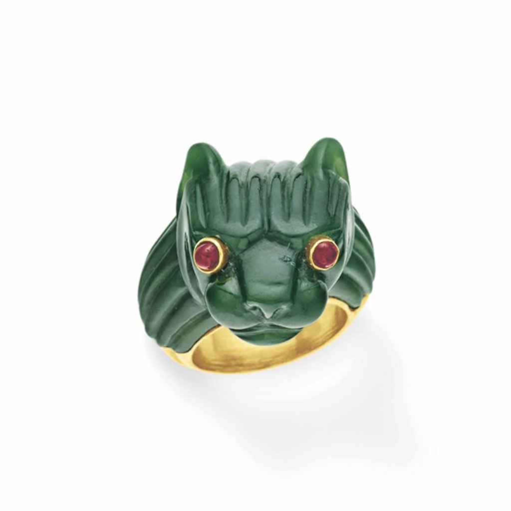A NEPHRITE, RUBY AND GOLD RING