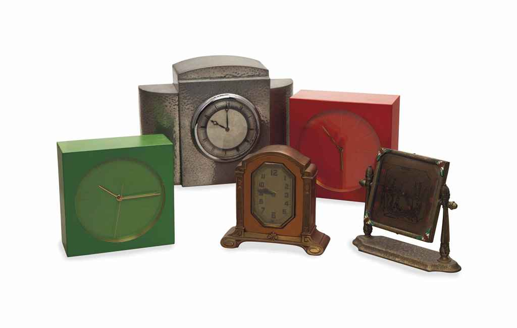 A GROUP OF SIX TABLE CLOCKS,