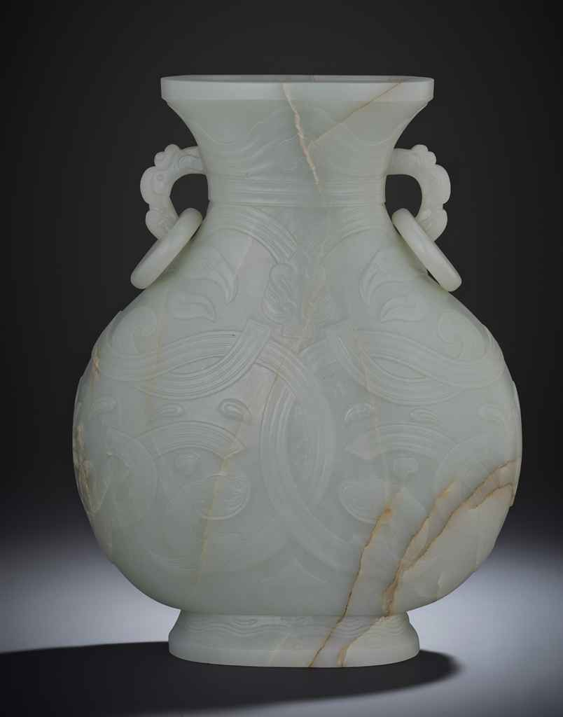 A RARE LARGE IMPERIAL JADE ARCHAISTIC VASE
