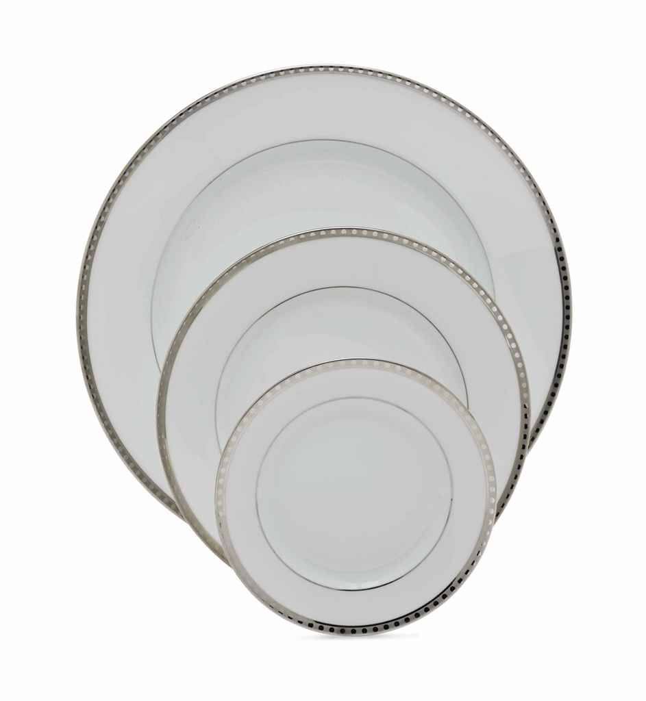 A FRENCH PORCELAIN PART DINNER