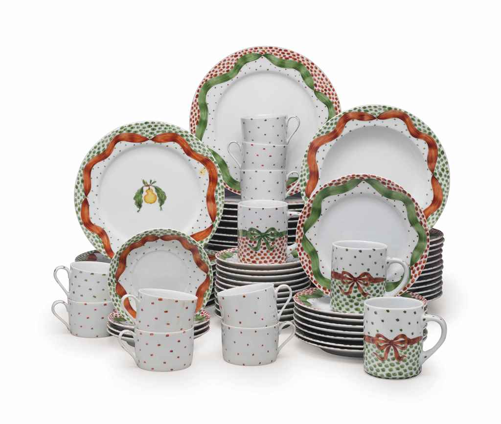 AN AMERICAN PORCELAIN DINNER S