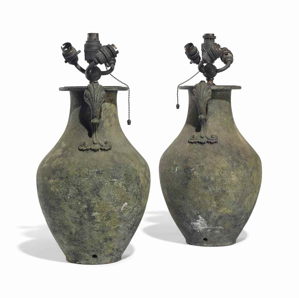 A PAIR OF ETRUSCAN STYLE VERDI