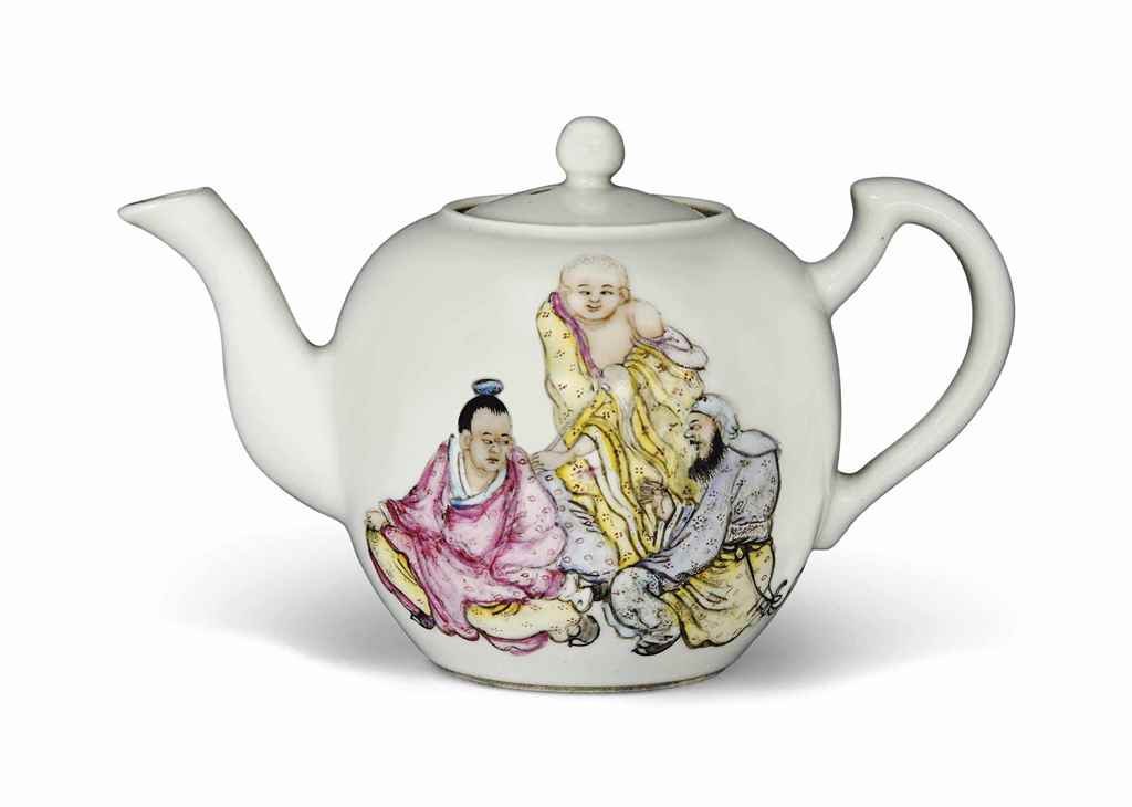 A CHINESE FAMILLE ROSE TEAPOT