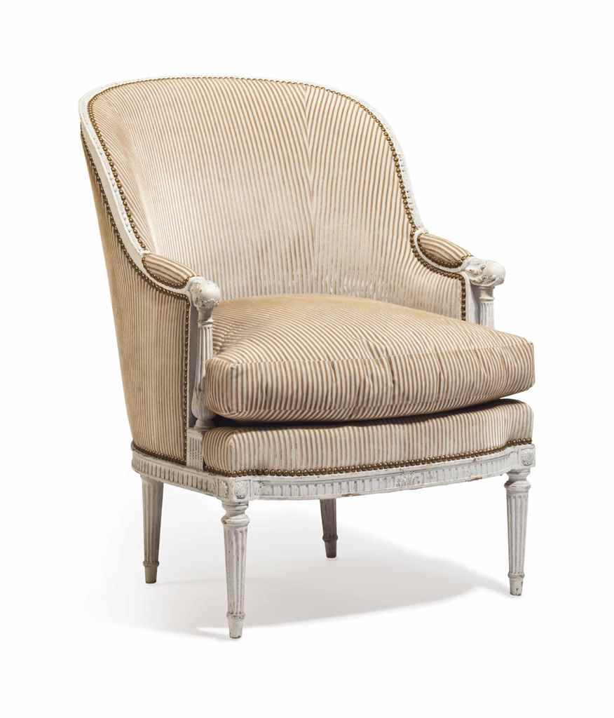 A FRENCH GRAY-PAINTED BERGERE
