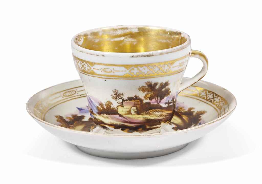 Tasse et sous tasse en porcela