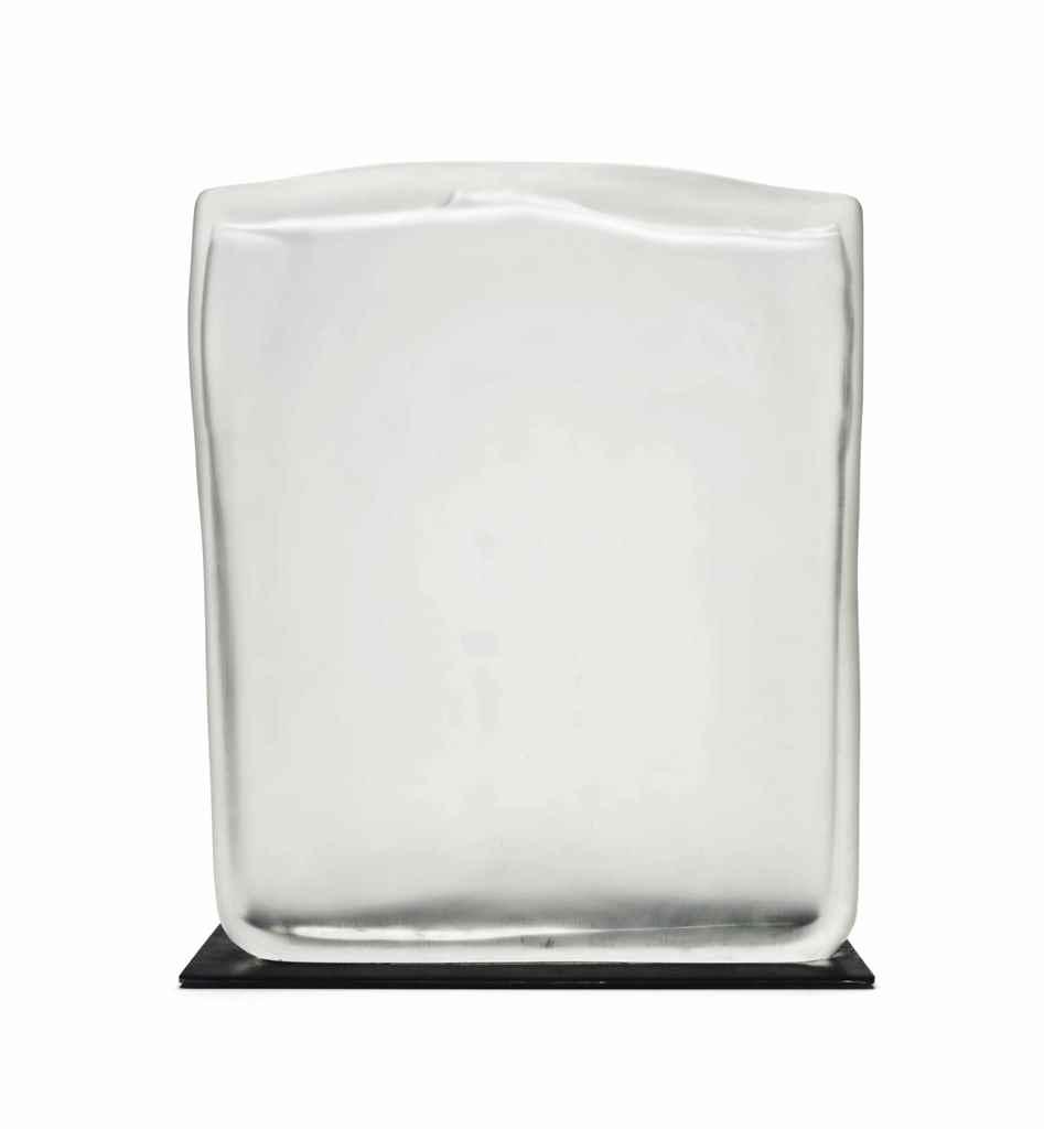 AN ITALIAN GLASS SCULPTURE