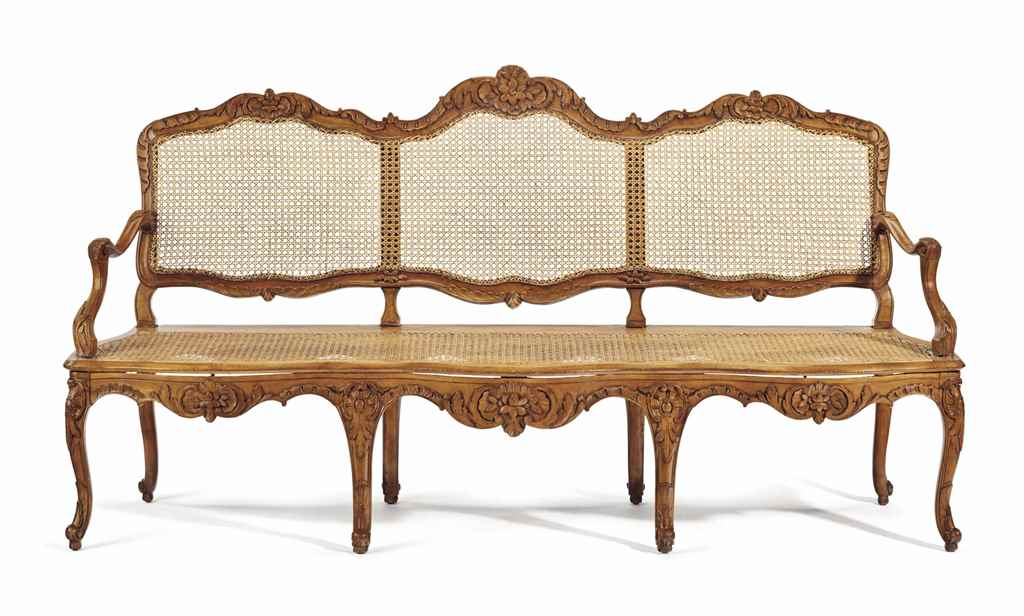 AN EARLY LOUIS XV BEECHWOOD CA