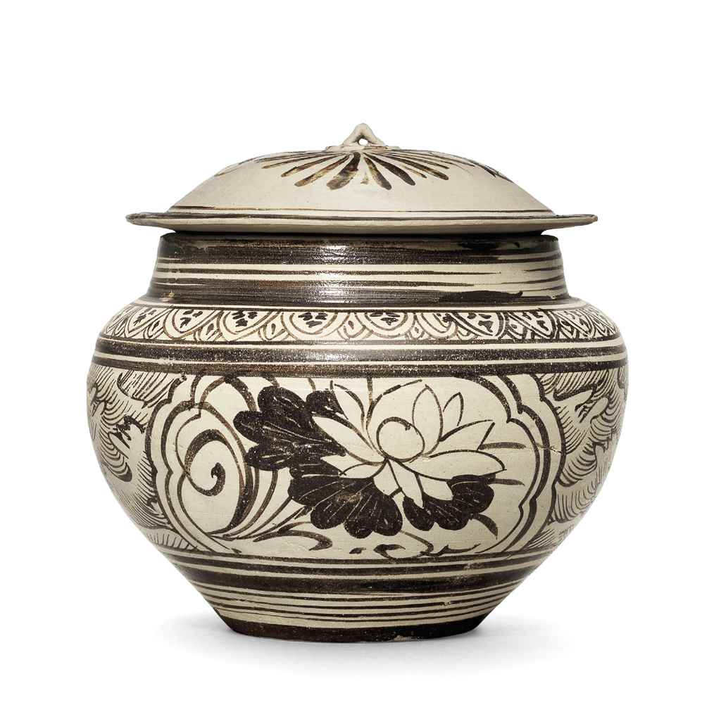 A JIZHOU PAINTED 'FLORAL' JAR