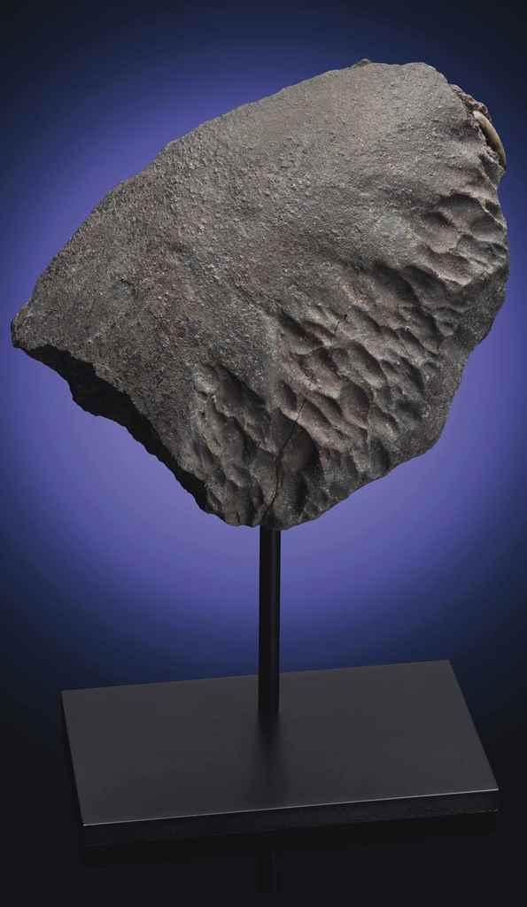 AN ORIENTED METEORITE — THE MA