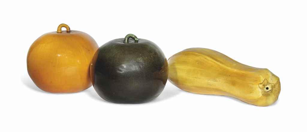 THREE ITALIAN POTTERY MODELS O