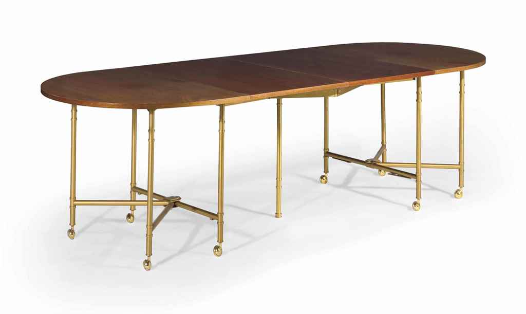 Table de salle a manger modele royal par la maison for Table salle a manger york