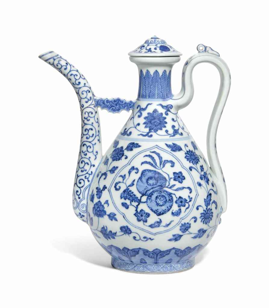 A MING-STYLE BLUE AND WHITE EW