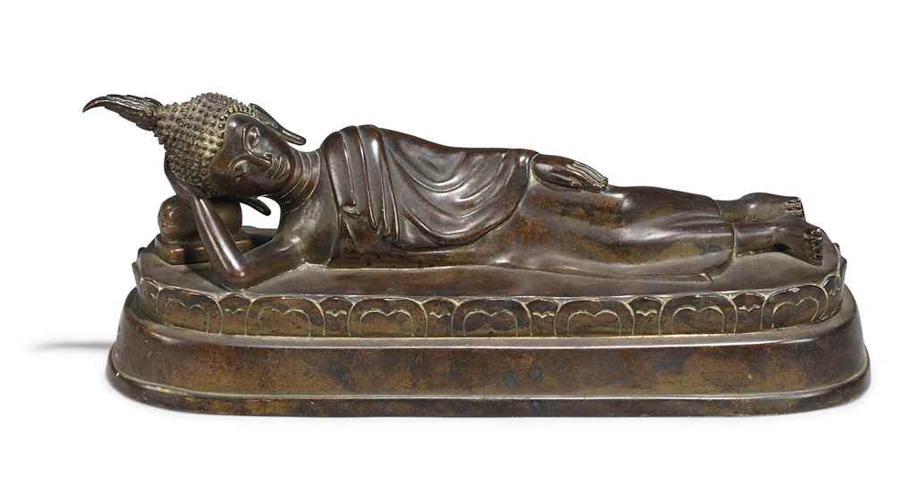 A BRONZE FIGURE OF THE BUDDHA