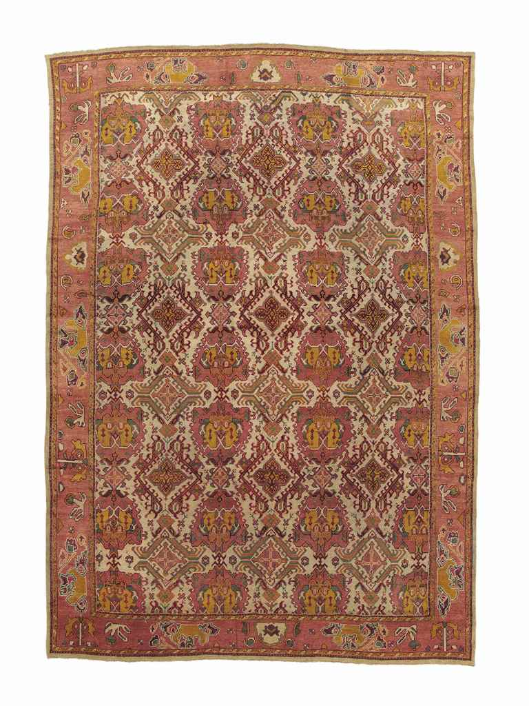 A USHAK CARPET